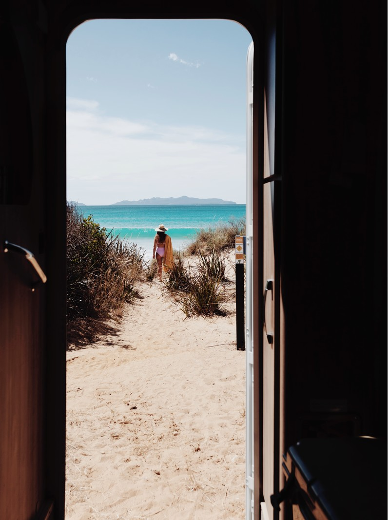 <h1>Window to Kelvedon Beach, Tasmania, Australia</h1>