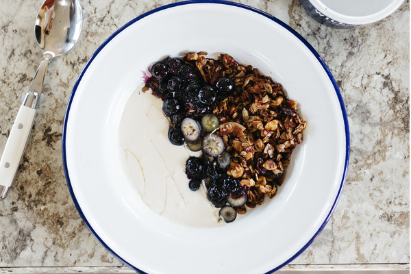 Hemp Granola with Blueberries